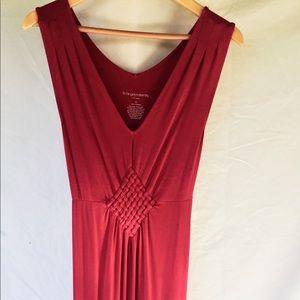 LIZ LANGE V-Neck Maxi Dress